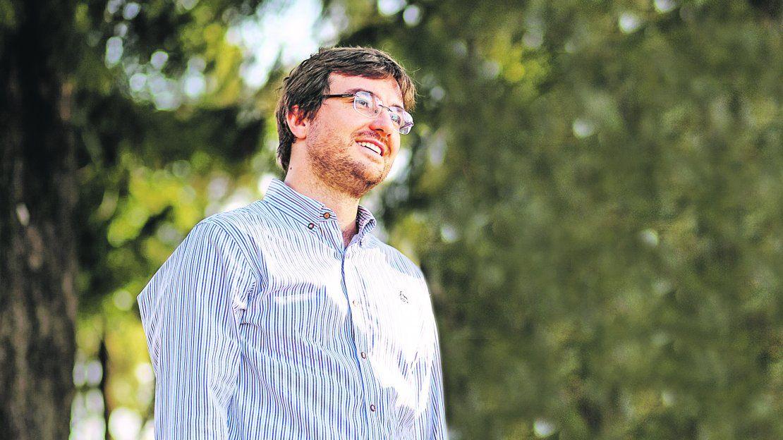 """Lucas Ghi: """"El municipio de Morón se precarizó, hubo una contracción de la agenda"""" - ámbito.com"""