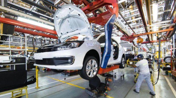 El plan que analiza Alberto Fernández para reactivar al sector automotor