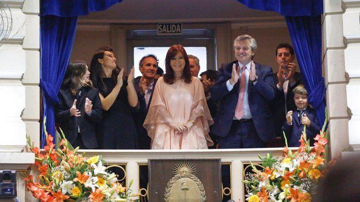 Alberto participó, junto a Cristina Fernández de Kirchner, de la jura de Axel Kicillof.