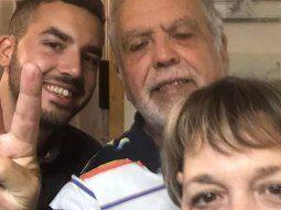 El exministro De Vido, junto a su esposa y su hijo.