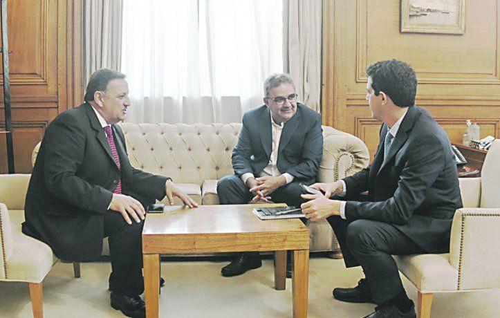 Ricardo Quintela (La Rioja), Raúl Jalil (Catamarca) y Wado de Pedro.