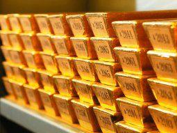 El metal está tomando fuerza a partir de un retroceso generalizado del dólar.