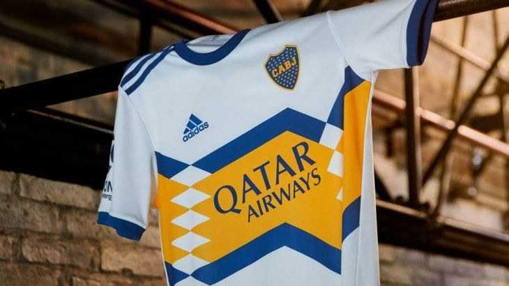 Así es la nueva camiseta suplente de Boca.
