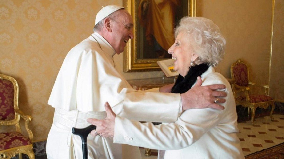 Estela de Carlotto habló de los 50 crucifijos que el Papa envió para los militares presos