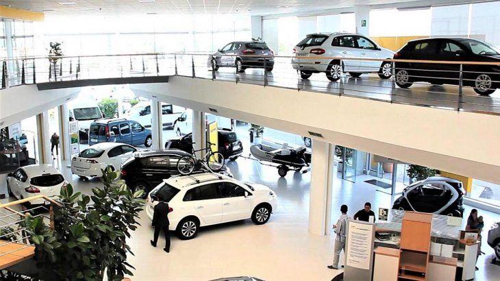Con nuevas rebajas esperan vender 5.000 autos más para salvar el mes