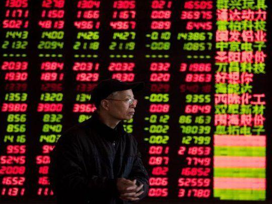 El coronavirus se propaga a los mercados: la bolsa de China sufrió su peor caída en 9 meses