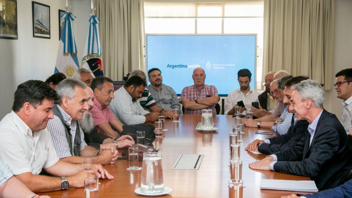 Gremios marítimos alertas por falta de nombramientos y licitación de puerto Buenos Aires