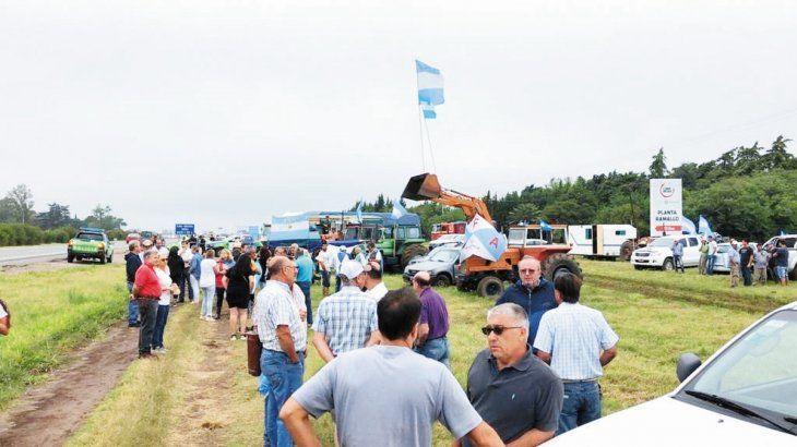 Alerta. El campo volvió a protestar por la presión impositiva. Esta vez fue al costado de rutas.