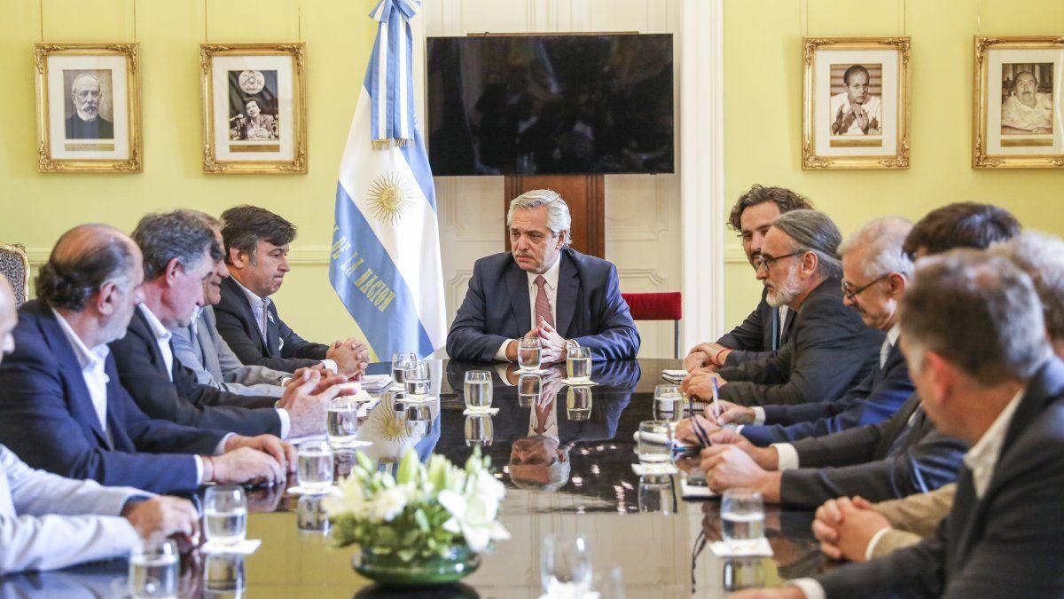 El Gobierno recibe a la Mesa de Enlace para aliviar las tensiones con el campo