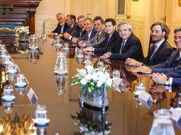 El Gobierno oficializó el préstamo a las provincias por $120.000 millones.