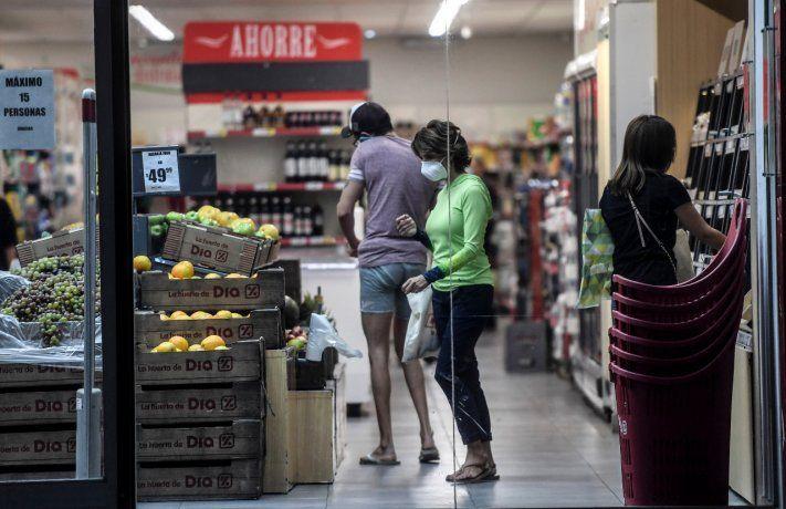 Fin de semana atípico para los supermercados. Cayeron las ventas y hubo más restricciones para los clientes.