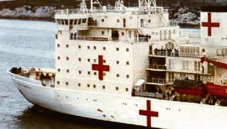 Recuerdo. El Irízar ya estuvo equipado y pintado como hospital militar durante la guerra de Malvinas.