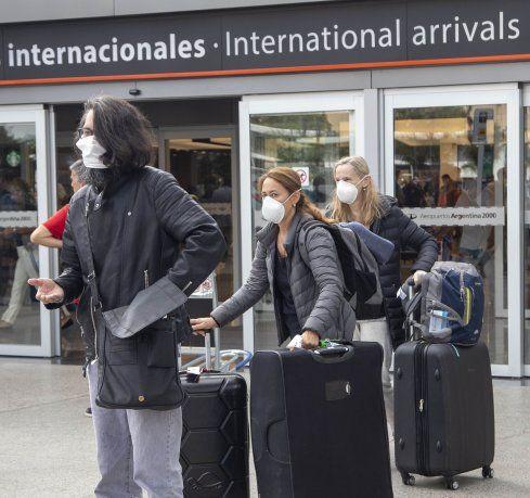 Gobierno prorrogó cierre de fronteras y prohibición de ingreso de extranjeros