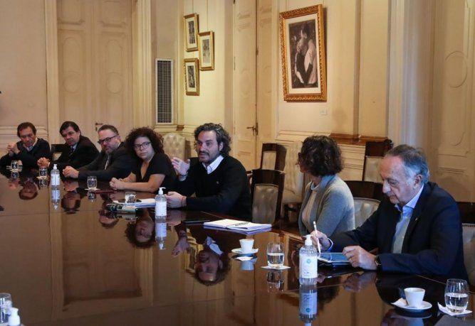 Santiago Cafiero encabezó la reunión en la que se analizó los alcances de una flexibilización del aislamiento social.