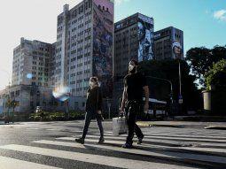 Las víctimas fatales en Argentina ascienden a 90, según el Gobierno.