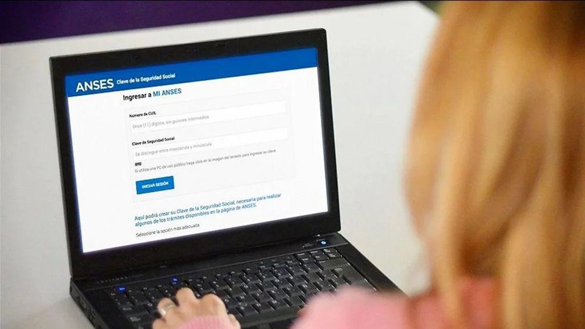 IFE: cómo abrir una cuenta bancaria desde tu casa para cobrar