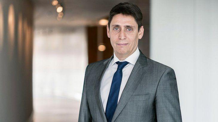 El nuevo CEO de YPF, Sergio Affronti, tiene 27 años de trayectoria en el sector. El mendocino posee una larga trayectoria en YPF, donde lideró entre otros puntos el desarrollo de la infraestructura y los proveedores imprescindibles que convirtieron a Vaca Muerta en la operación no convencional más importante fuera de los Estados Unidos.