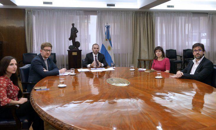 """Martín Guzmánabrió por videoconferencia el seminario """"Argentina"""