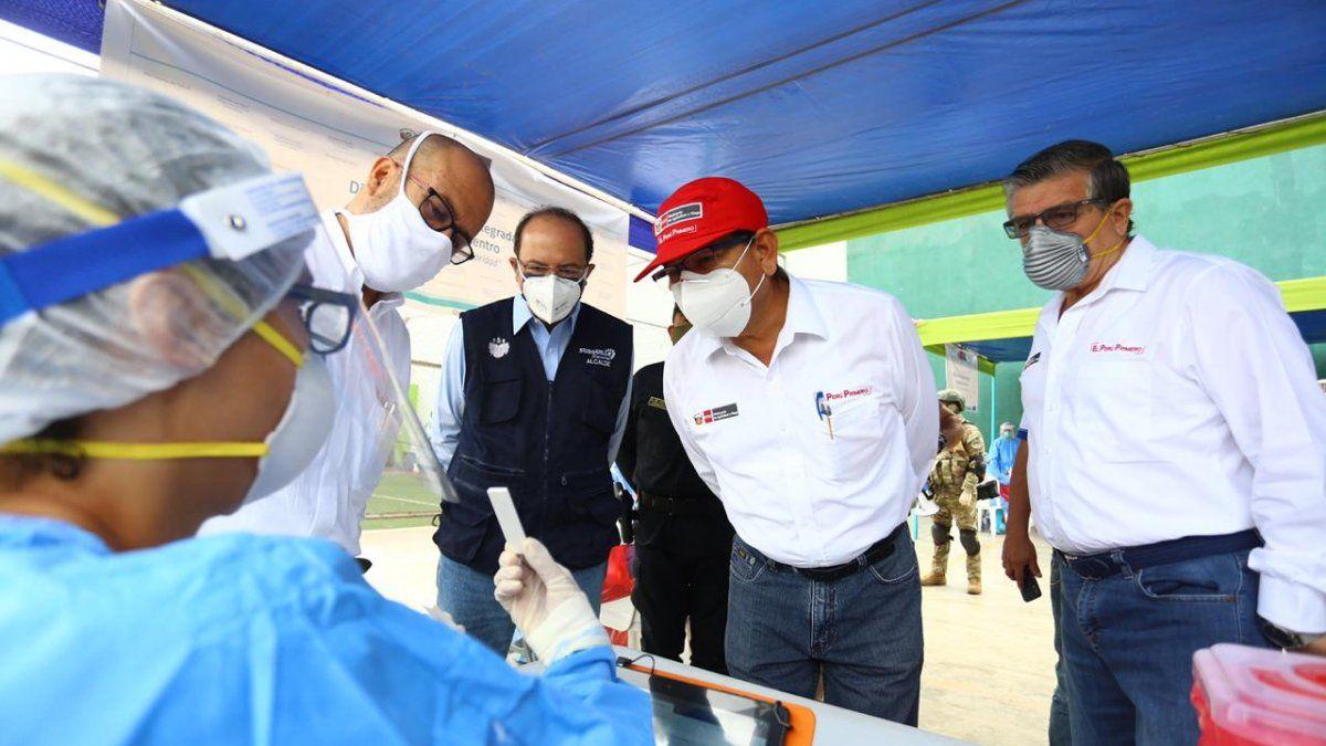Perú: ministro a cargo de la cuarentena se enfermó de coronavirus