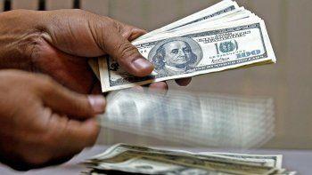El dólar CCL y el MEP cerraron a la baja en la previa de una jornada clave para la reestructuración de la deuda externa.