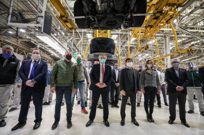 El presidente, Alberto Fernández, visitó la planta de Volkswagen en Tigre, que retomó su producción esta semana.