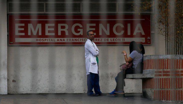 El sistema sanitario en Venezuela lleva años colapsado por el desabastecimiento.