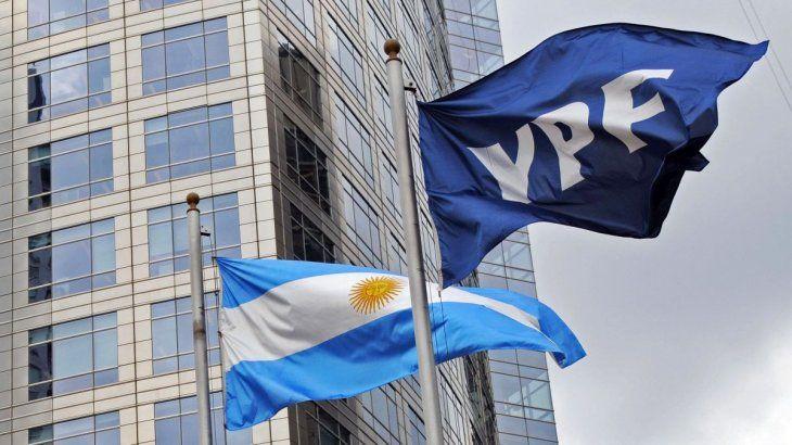 La petrolera de bandera YPF incorporó a más mujeres a los mandos gerenciales de la compañía. La decisión responde a una demanda histórica de las trabajadoras del sector de los hidrocarburos.