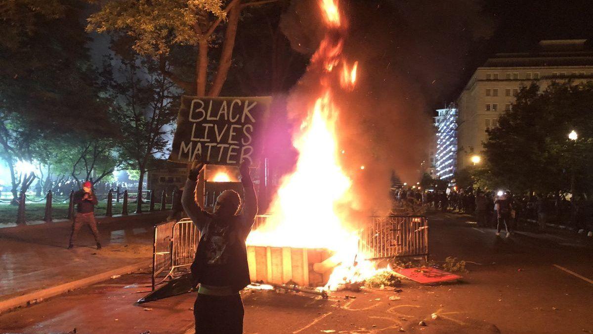 EEUU: nuevas manifestaciones y gases lacrimógenos frente a la Casa Blanca