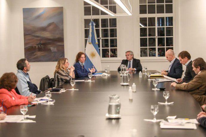 El Presidente y el jefe de Gobierno porteño se reunieron con especialistas en salud y niñez.