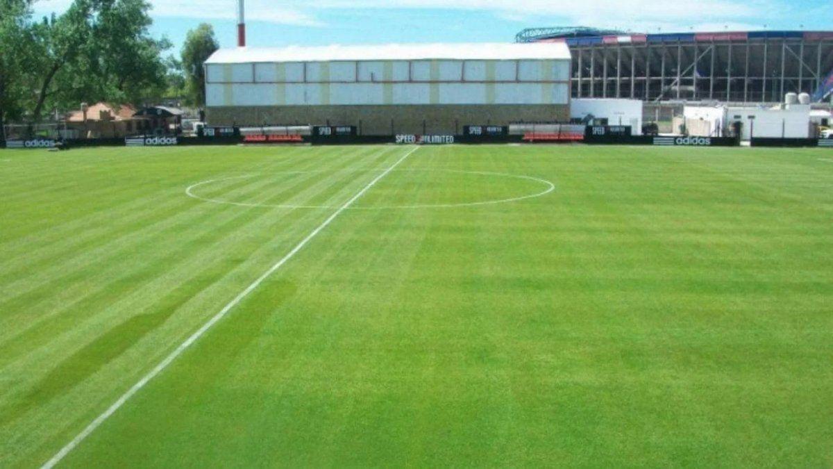 Ordenaron clausurar Deportivo Riestra por entrenarse sin permiso en cuarentena | Riestra, AFA, Cuarentena, Sanciones
