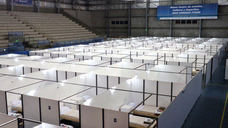 El centro de aislamiento instalado en el polideportivo Juan Domingo Perón.