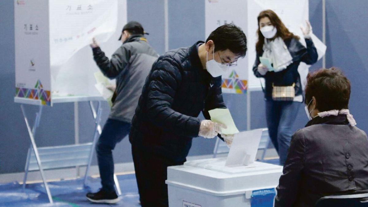 Elecciones 2021: con turno, barbijos y alcohol en gel; incluye a ...