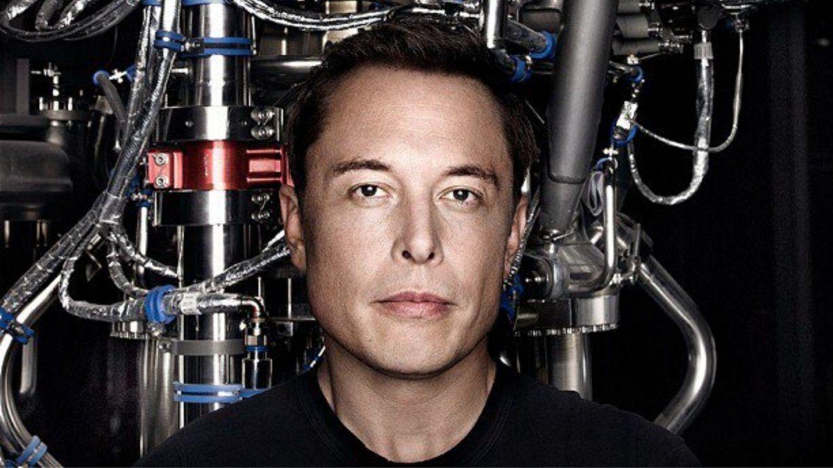 Elon Musk mostró como conectar un cerebro con una máquina