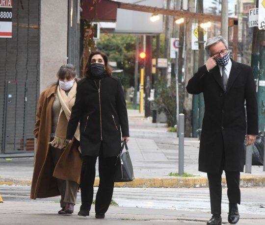 La subdirectora de la Agencia Federal de Inteligencia (AFI) durante el Gobierno de Cambiemos, Silvia Majdalani, llegaba junto a su abogado Juan Pablo Vigliero, a los tribunales federales de Lomas de Zamora.