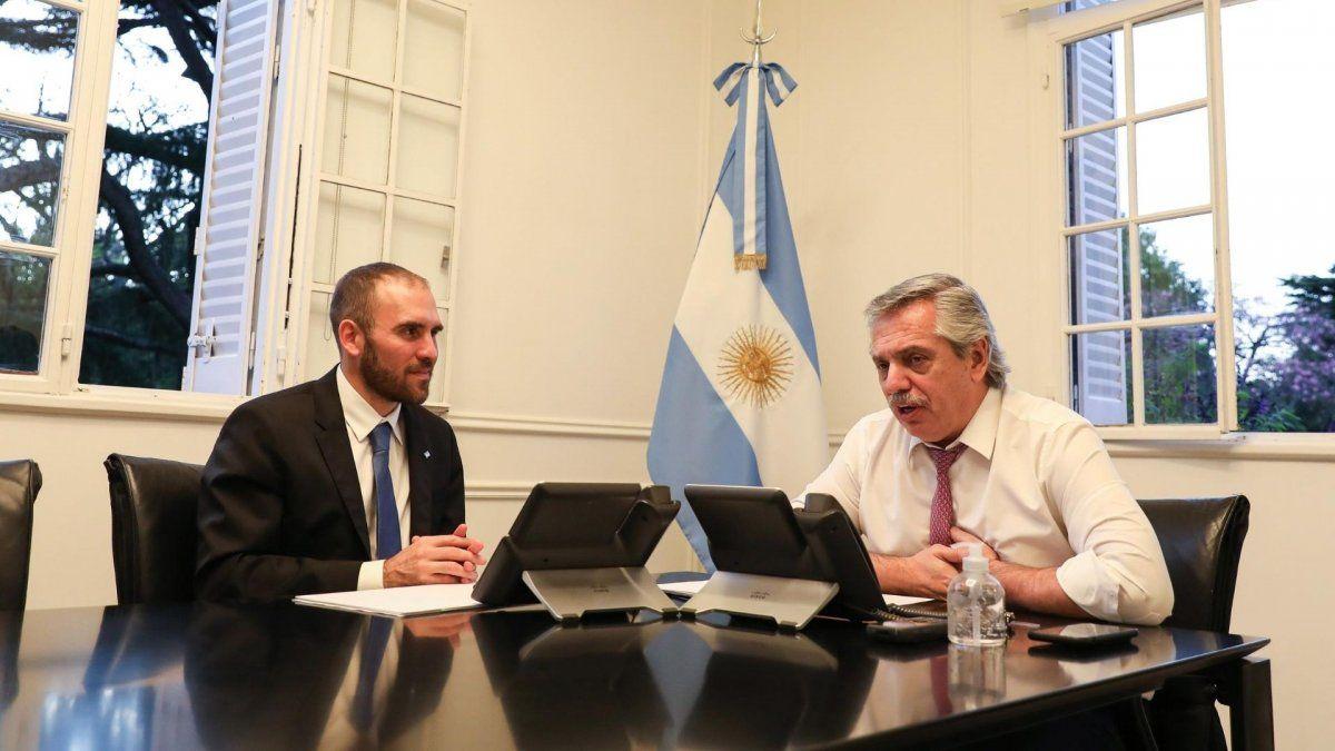 Alberto Fernández admitió que rompió la cuarentena al abrazar a Guzmán tras el acuerdo por la deuda
