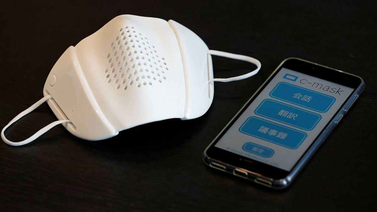 Este tapabocas inteligente es capaz de traducir a 8 idiomas