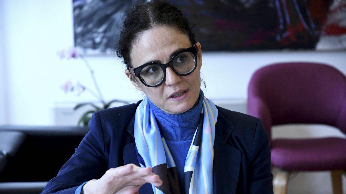 ? Ámbito: La vicejefa de Gabinete, Cecilia Todesca Bocco, explicó que  necesitamos dólares para producir . El cepo no es un castigo, es condición  para la estabilidad macroeconómica , aseguró.