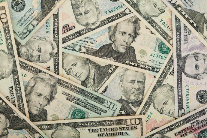 El dólar turista anotónueva suba y se acercó a los $101