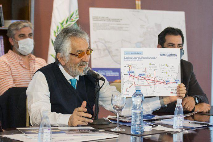 Alberto Rodríguez Saá presentó a Nación un proyecto para unir la capital de San Luis con Villa Mercedes.
