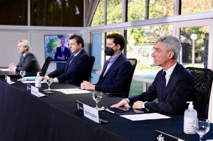 El Presidente realizó anuncios de obras públicas junto a Sergio Massa, Wado de Pedro, Mario Meoni y Silvina Batakis, desde Olivos.