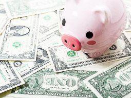 dolar: economistas piden mejores tasas para bajar la presion