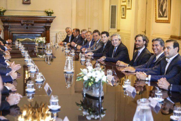 Alberto junto a gobernadores. Foto de archivo.