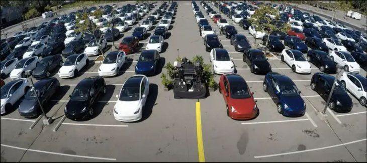 """La """"autoconferencia"""" realizada por Tesla para sus inversores."""