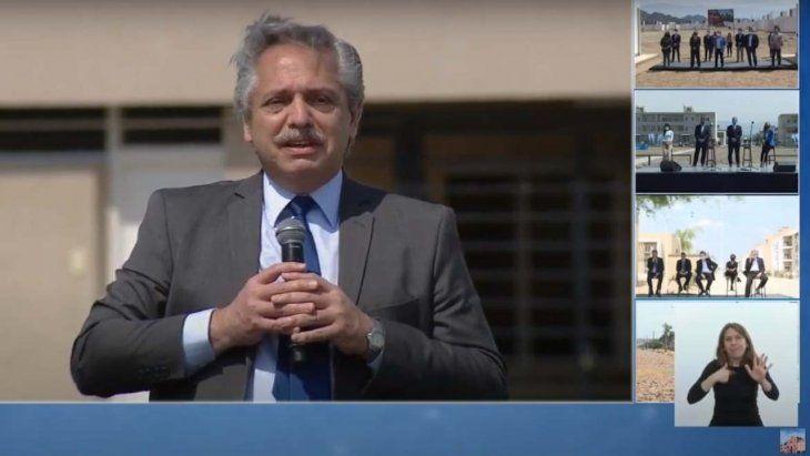 El presidente Alberto Fernández apuntó contra los especuladores al encabezar una entrega de viviendas.