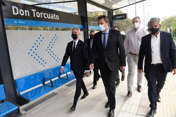 El ministro de Transporte, Mario Meoni, participó junto con Sergio Massa de la inauguración de las obras en la estación Don Torcuato.