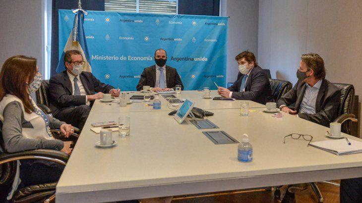 Este martes se llevó a cabo la primera reunión entre el Gobierno y representantes del FMI.