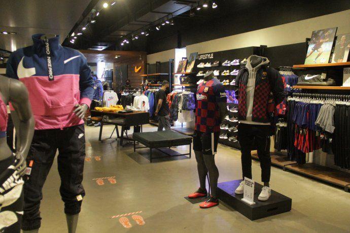 Luego de siete meses cerrados y a horas del Día de la Madre, los shopping de la Ciudad de Buenos Aires volvieron a abrir sus puertas.