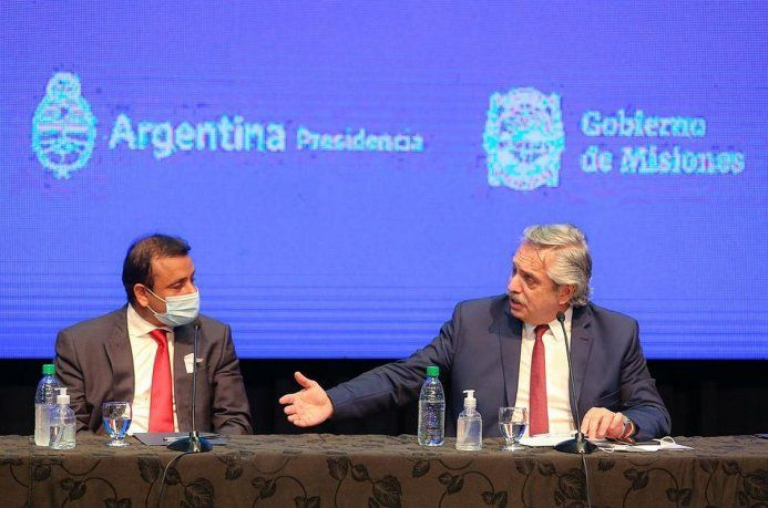 El presidente Alberto Fernández anunció la continuidad del aislamiento desde Misiones, junto al mandatario, Oscar Herrera Ahuad.