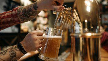 insolita propuesta en eeuu: ofrecen cerveza gratis a jovenes para que se vacunen