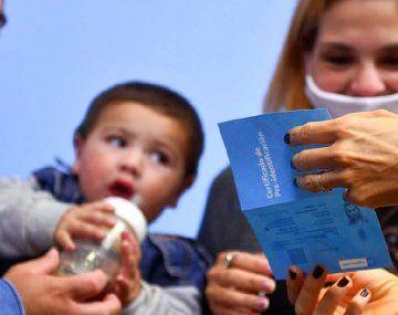 El ministro de Desarrollo Social, Daniel Arroyo, aseguró que las autoridades nacionales estudian pagar una segunda cuota del bono de $15.000 por la extensión de las medidas restrictivas.